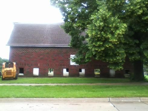 maplenol barn around 8:40 a.m. june 20