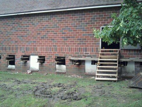 the ground says stop maplenol barn